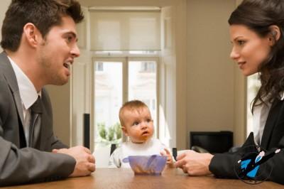 Недобросовестного родителя могут привлечь как к административной, так и к уголовной ответственности
