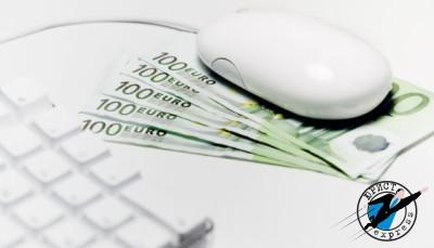 Снять денежные средства с расчетного счета можно и непосредственно в отделении банка у операциониста